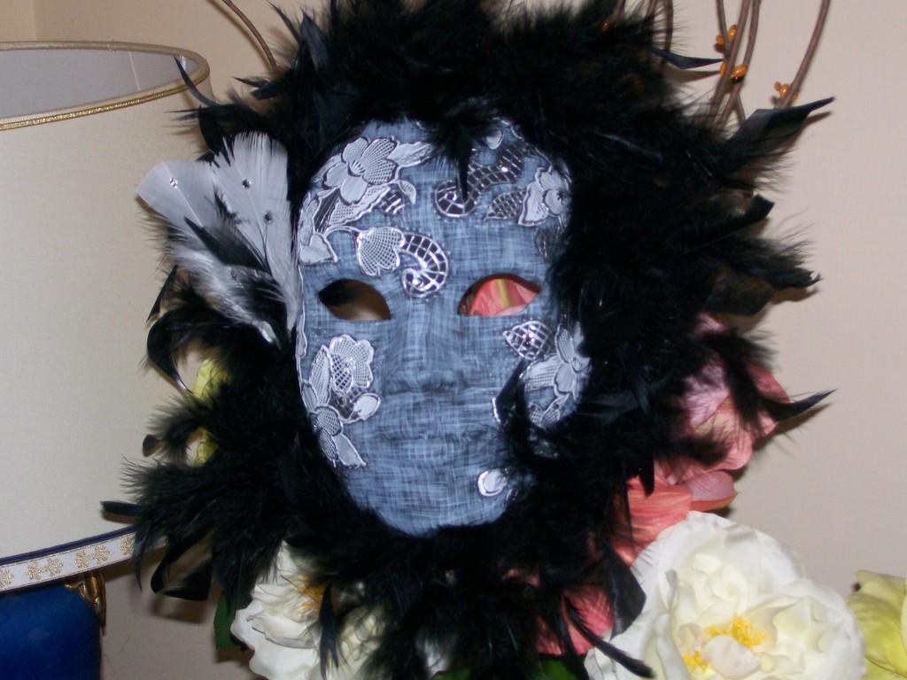 Maschera carnevale in decoupage e pittorico