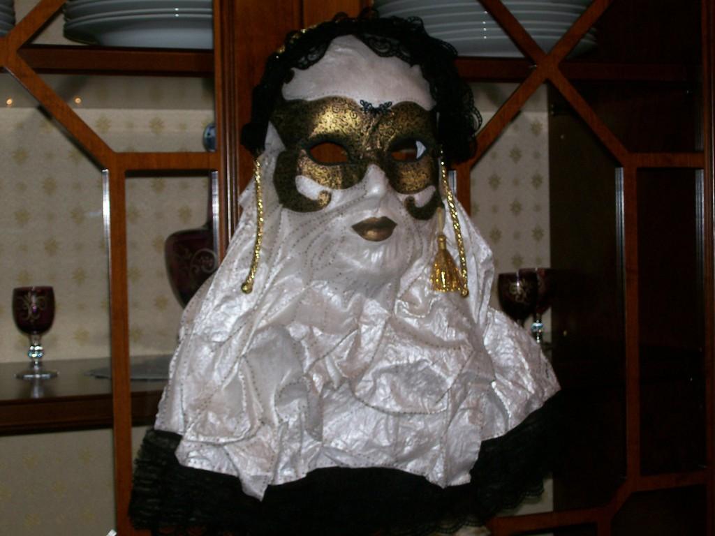 Maschera veneziana dipinta a mano (tela appoggiata indurita con Indurduck Arte')