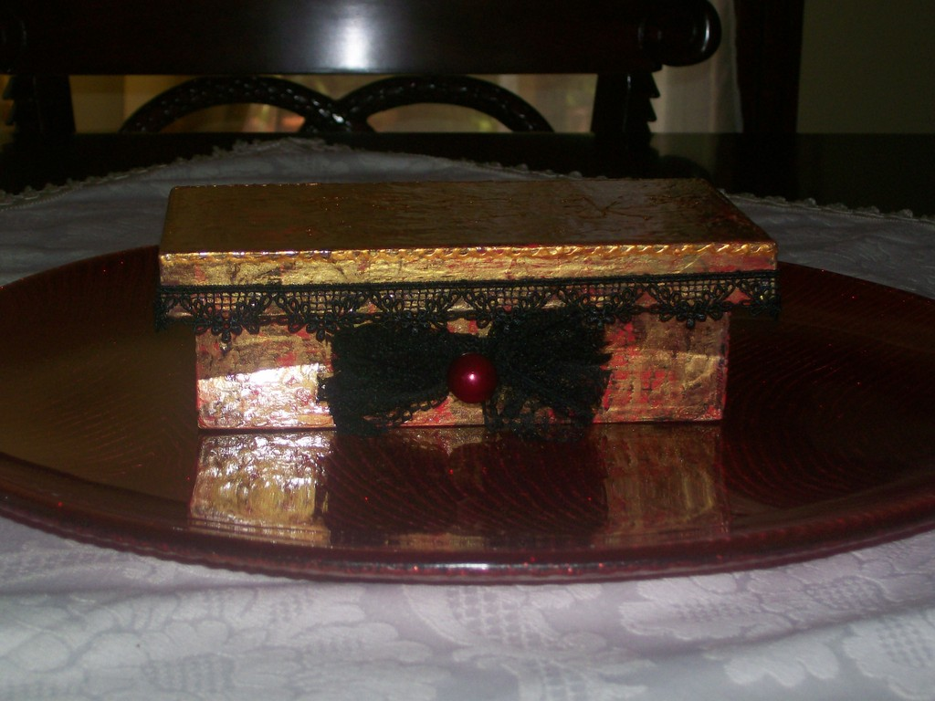Scatola in legno effetto radica con deco patch e colore rilievo