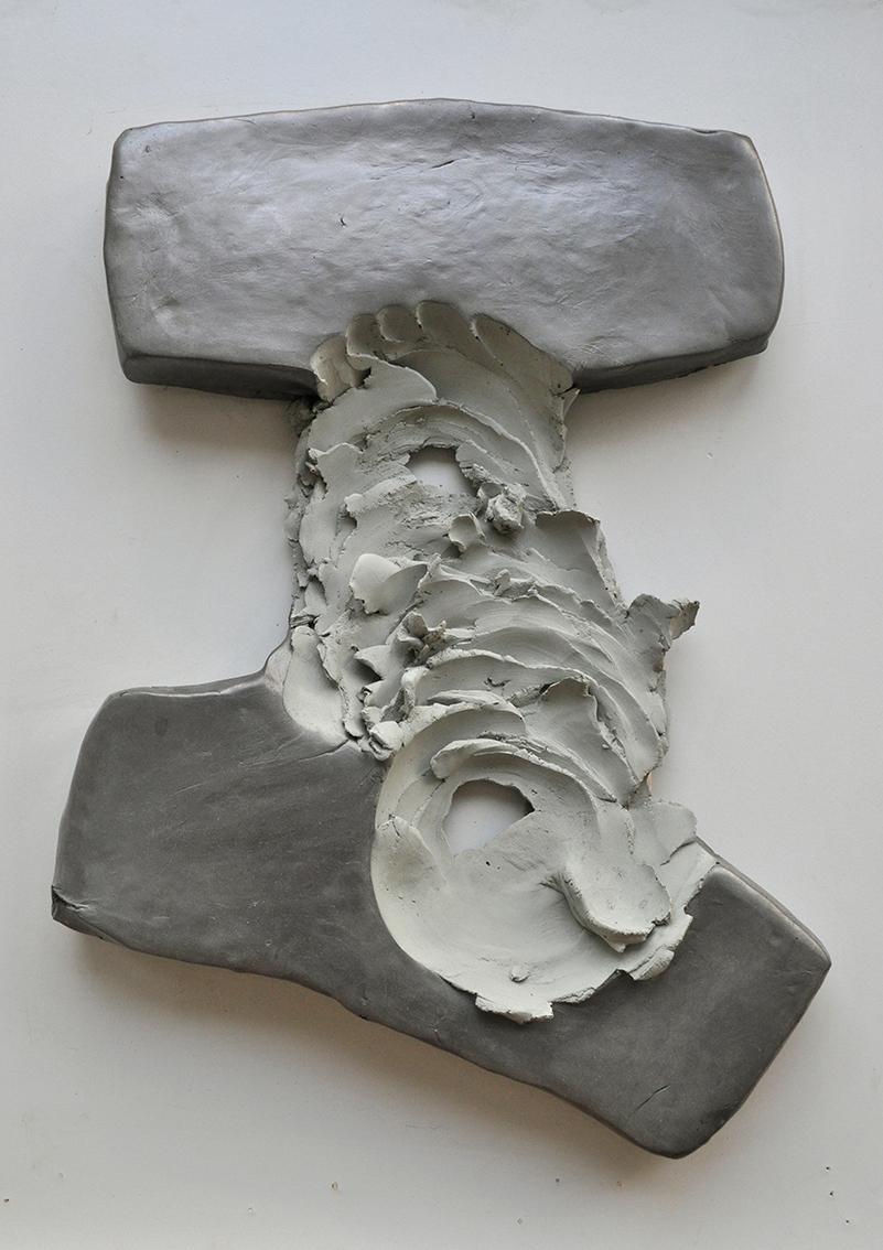 "Anja Spitzer ""Drehung mit Weg"", Betonguss, 30 x 45 x 5 cm, 2020"