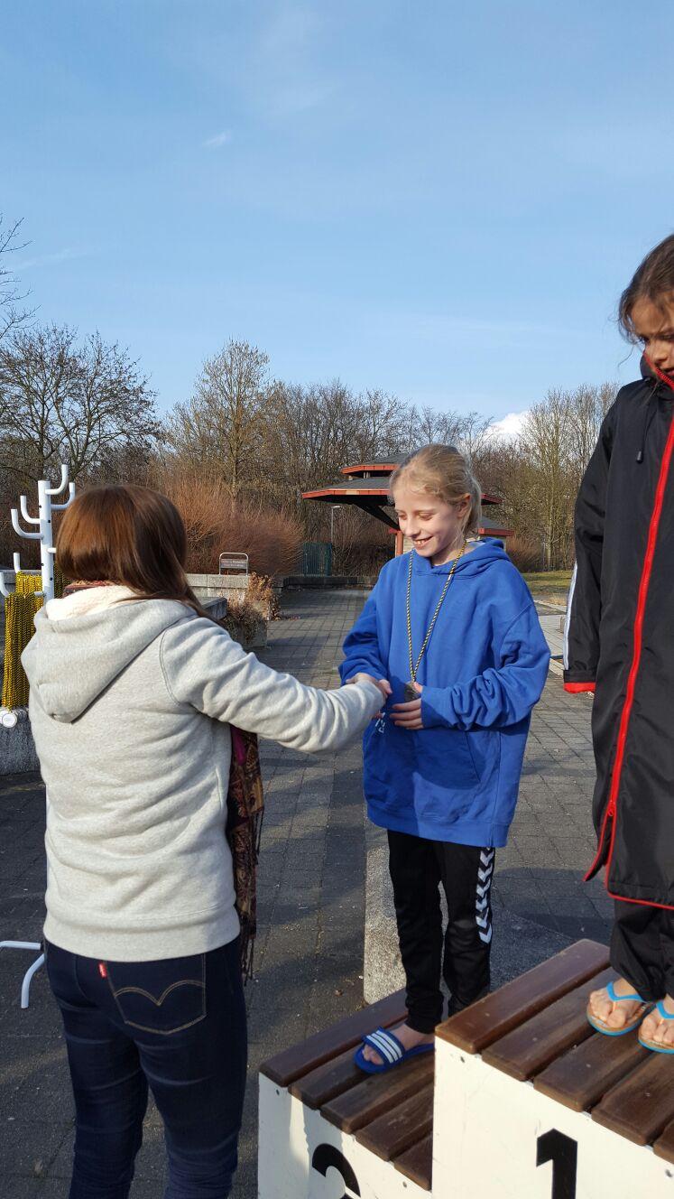 Siegerehrung 50m Freistil - Sophie Bülow