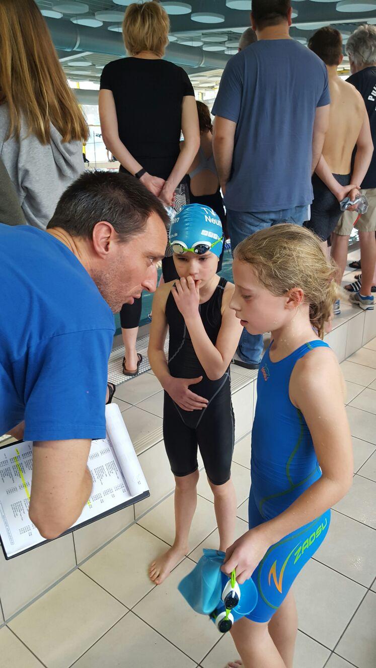 Nachbesprechung mit Trainer Axel, Sophie und Nuri