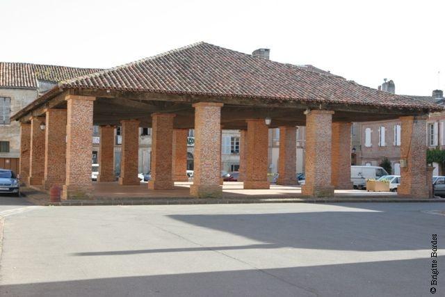 Halle aux seize piliers