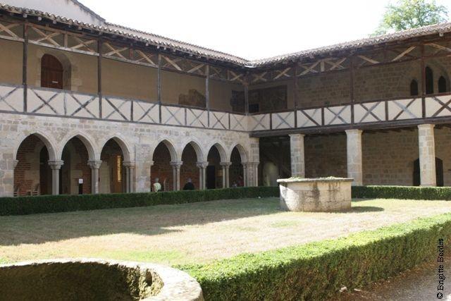 Cloître de l'abbaye de Flaran