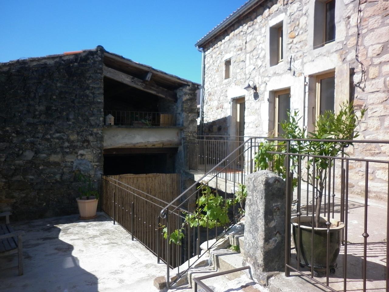 les terrasses du gîte de Coustillou