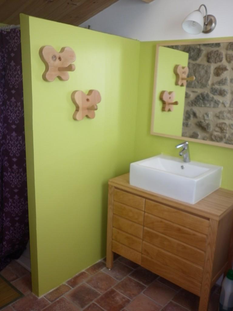 salle d'eau du bas du gîte de Coustillou