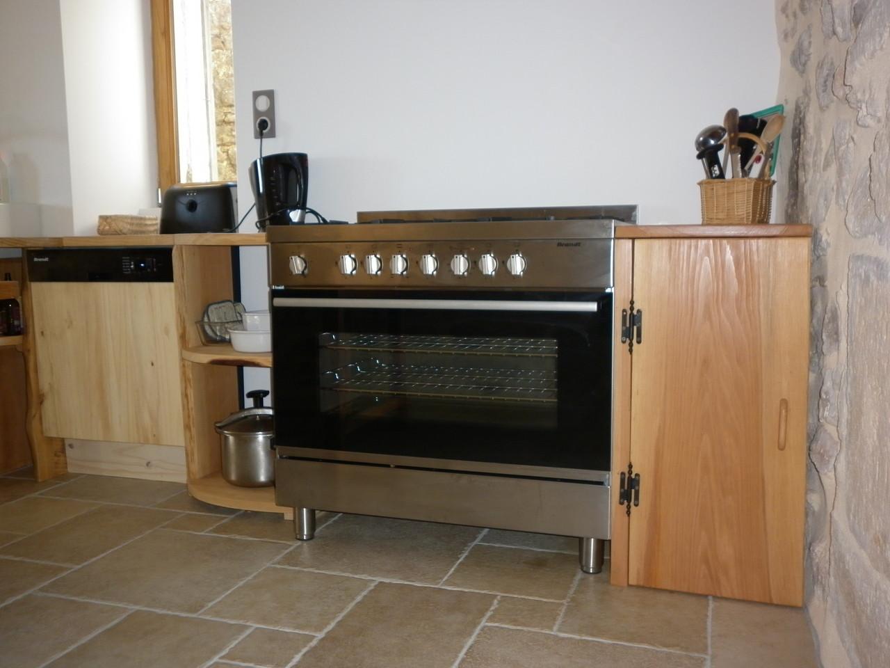 espace cuisson du gîte de Coustillou