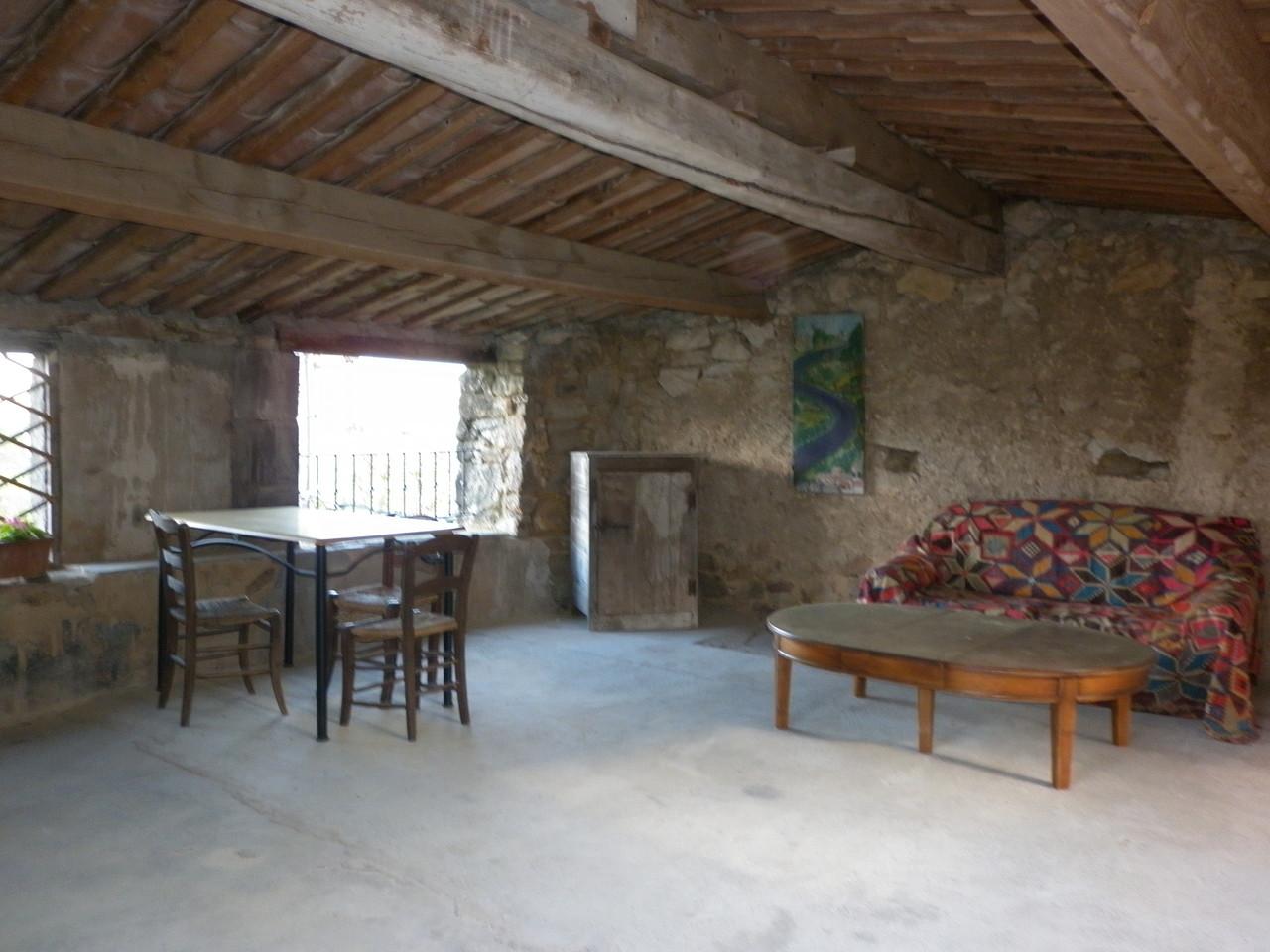 la terrasse couverte du gîte de Coustillou