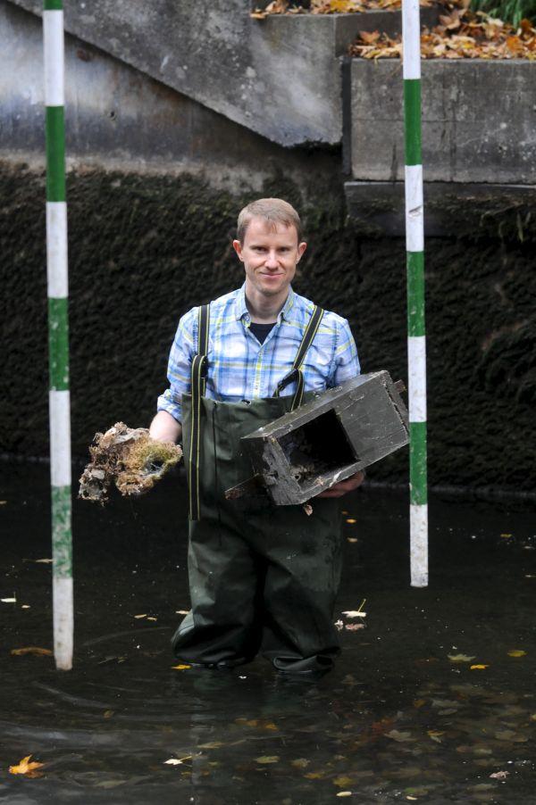 Wasseramselkasten mit Nest an der Kanustrecke