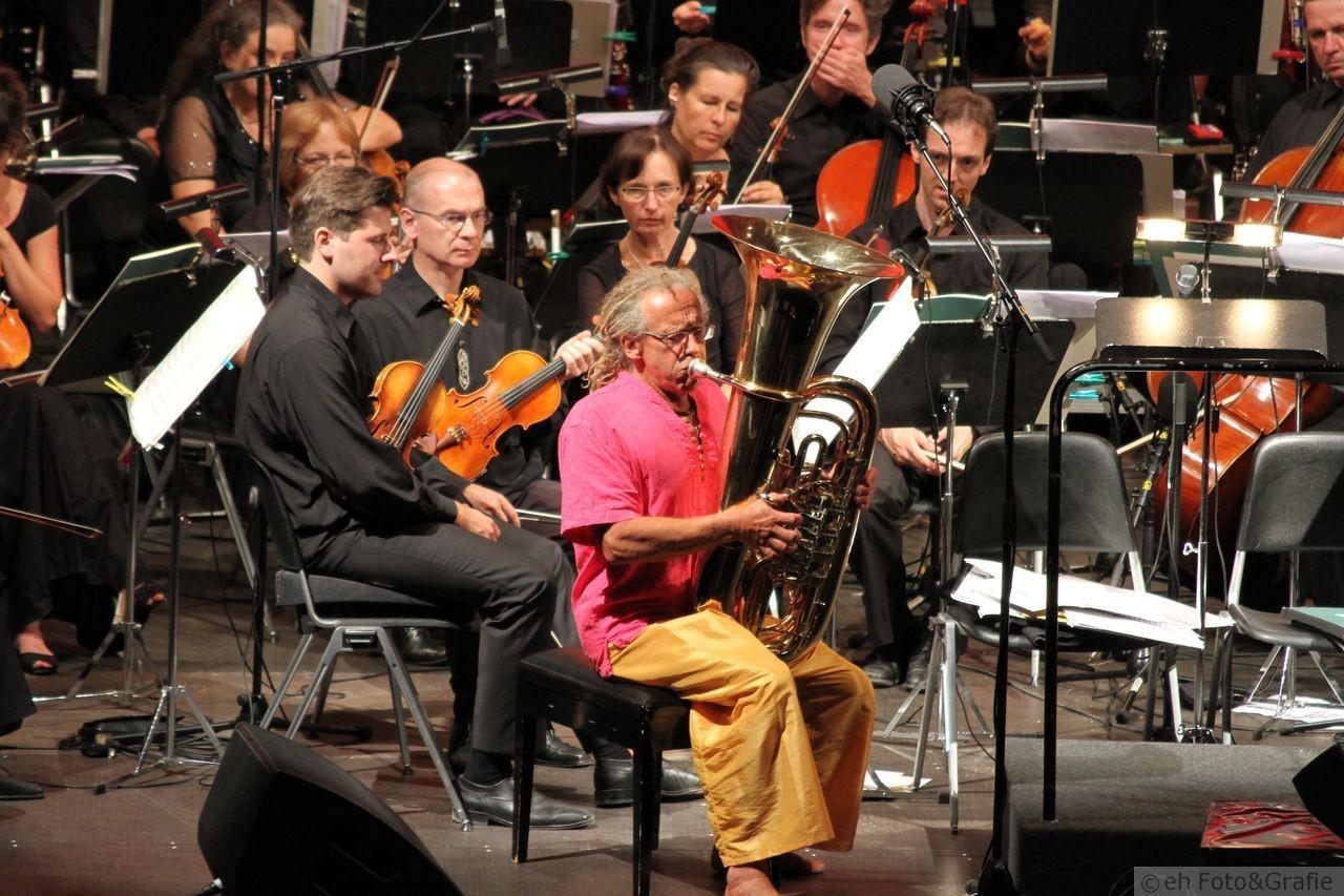 Klaus Burger_Didgeridoo, Tuba