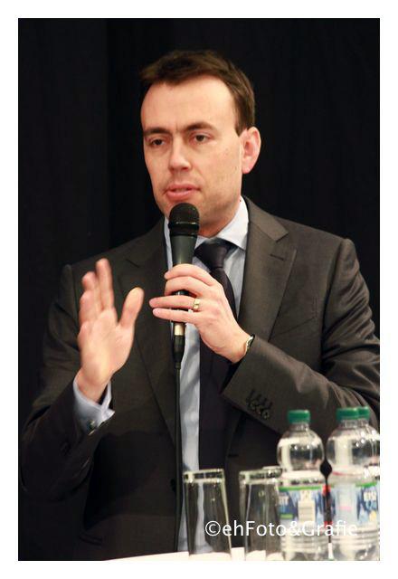 Dr. Nils Schmid