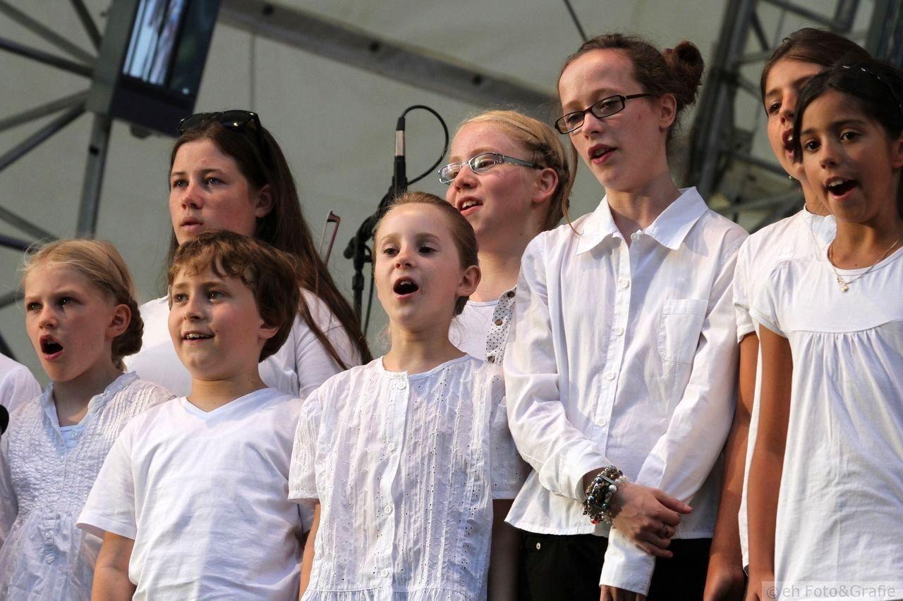 Kinderchor und Junges Ensemble der Leonhards-Chöre