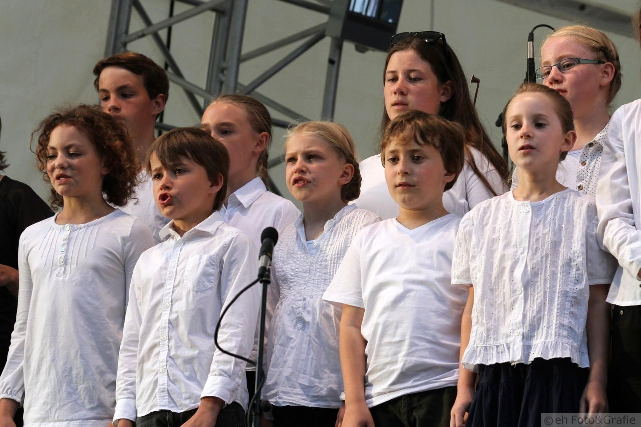 Kinderchor und Junges Ensemble der Leonhards-Chöre