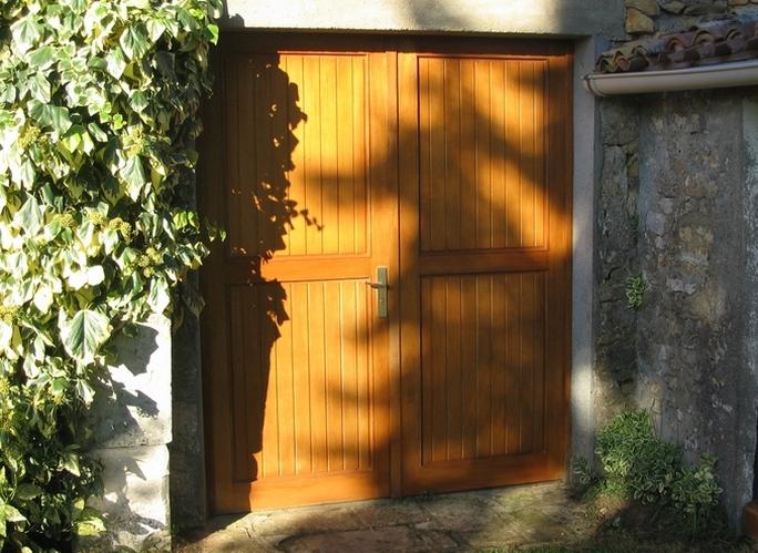 Porte bois débarras sur cadre