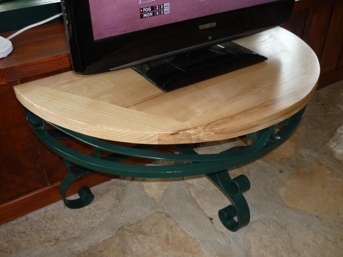 Table TV en frêne