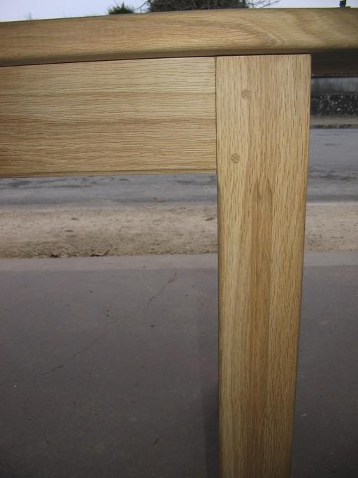 Pied de table en chêne avec mouchette