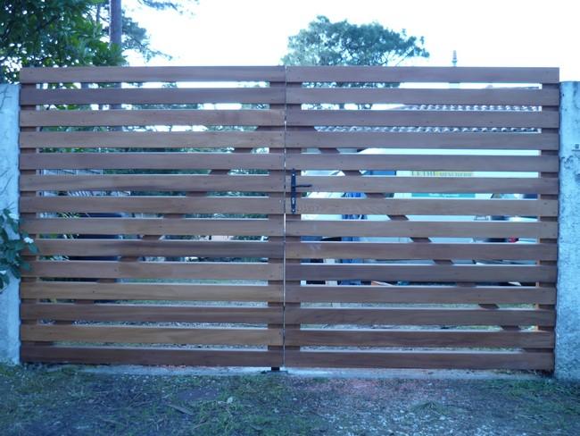 Portail bois à lames horizontales en redcedar