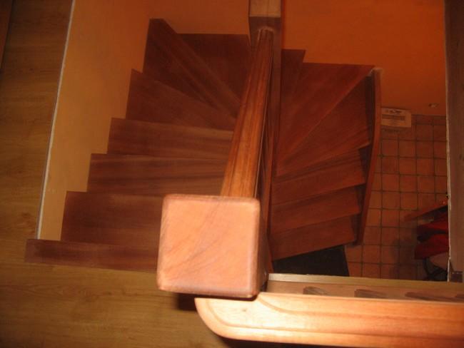Escalier demi-tour en sipo
