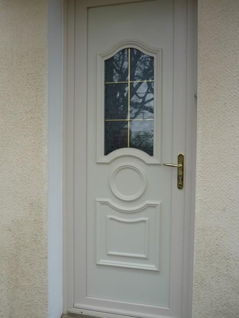 Porte d'entrée PVC beige