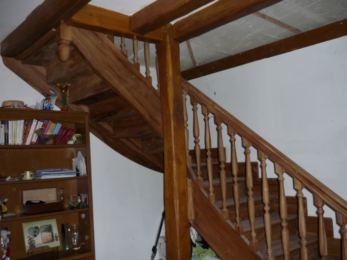 Escalier quart tournant en orme