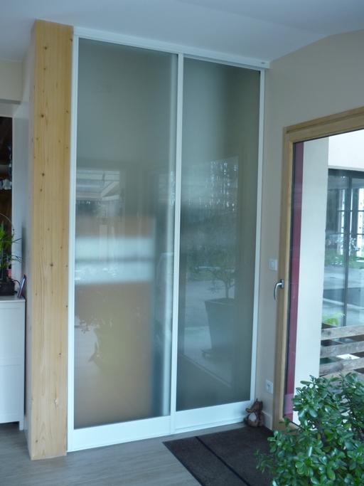 Façade de placard vitrée