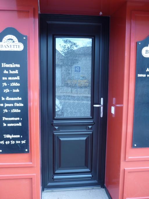 Porte d'entrée mixte avec verre