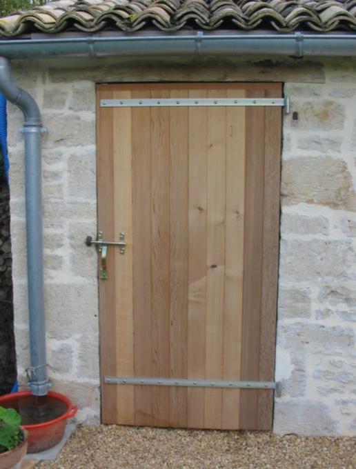 Porte Redcedar avec penture