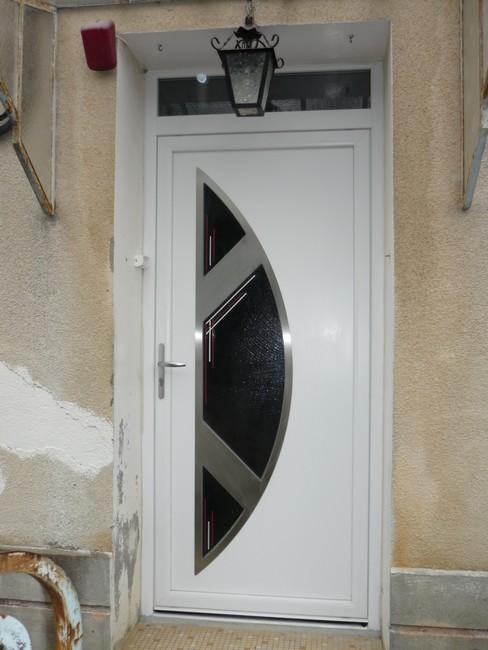 Porte d'entrée PVC design contemporain
