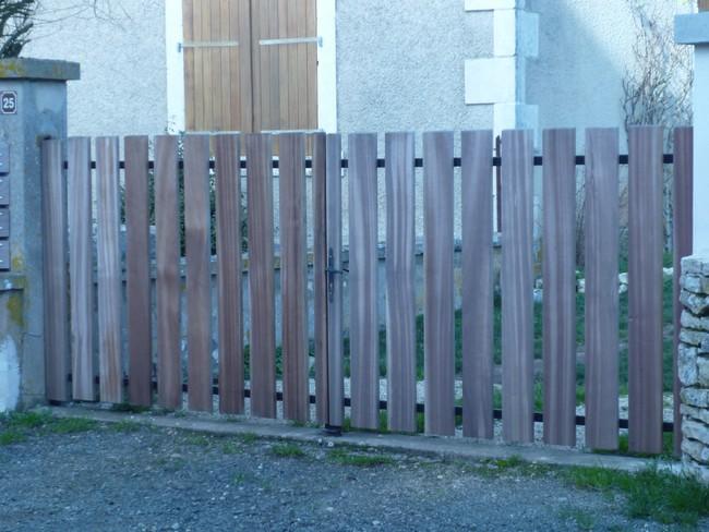 Portail bois sur structure métal