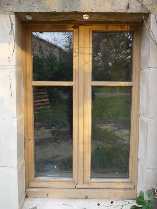 Fenêtre châtaignier