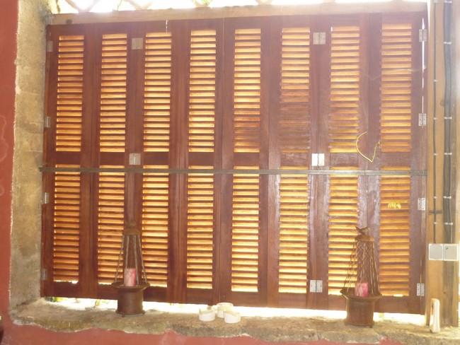 Volet battant accordéon persienné Bois