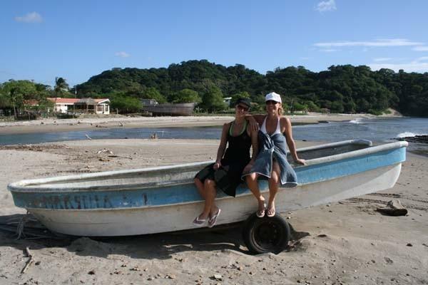 Del barco de chanquete ..... no nos moveeerraaannn, del barco del chanqueteeeee... lalalaalala