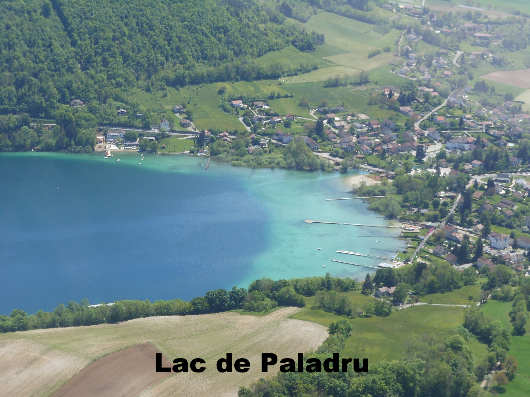 Vue aérienne lac Paladru Volitude