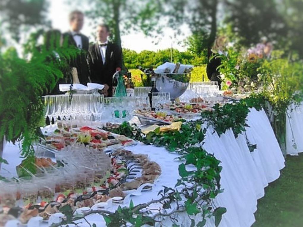 buffet de mariage champ tre richard traiteur charentes a saintes. Black Bedroom Furniture Sets. Home Design Ideas