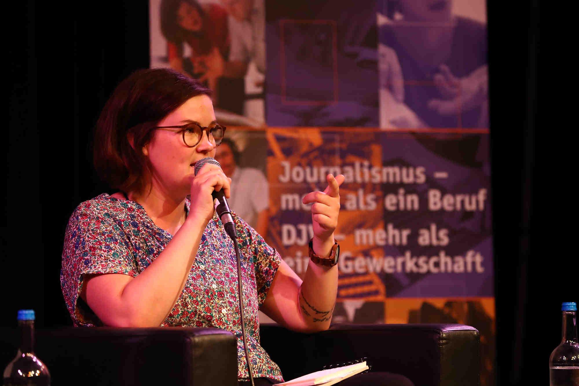 Podiumsdiskussion des DJV und Kulturforum Hamburg: G-20-Gipfel - Deeskalation via Sprache und Kommunikation, 2017, Emily Laquer