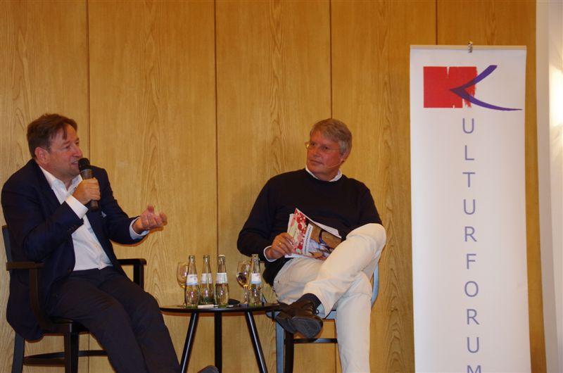 """""""Zeitenwende"""" – oder behutsamer Wandel? Staatsopern-Intendant Georges Delnon im Gespräch mit Hans-Jürgen Mende, 2016"""