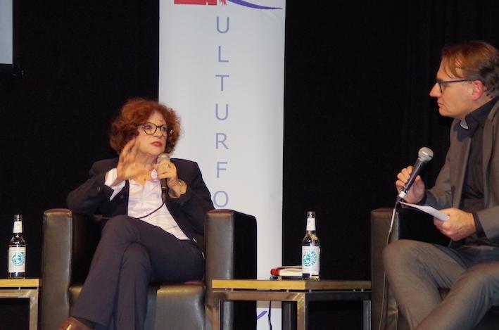 """""""Hate Speech"""" – die Verrohung der Kommunikation im Netz: Kai-Hinrich Renner im Gespräch mit Anetta Kahane, 2017"""