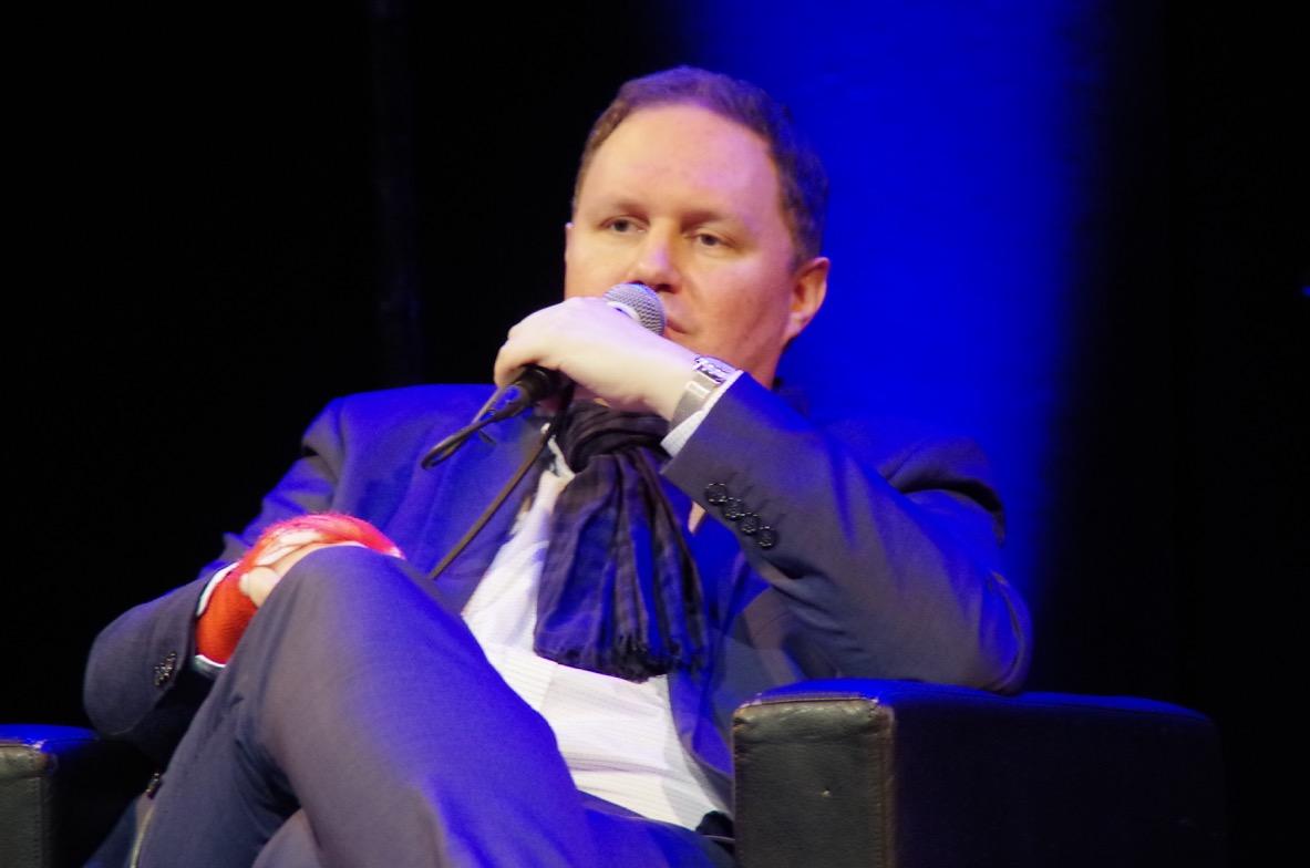 Dr. Carsten Brosda