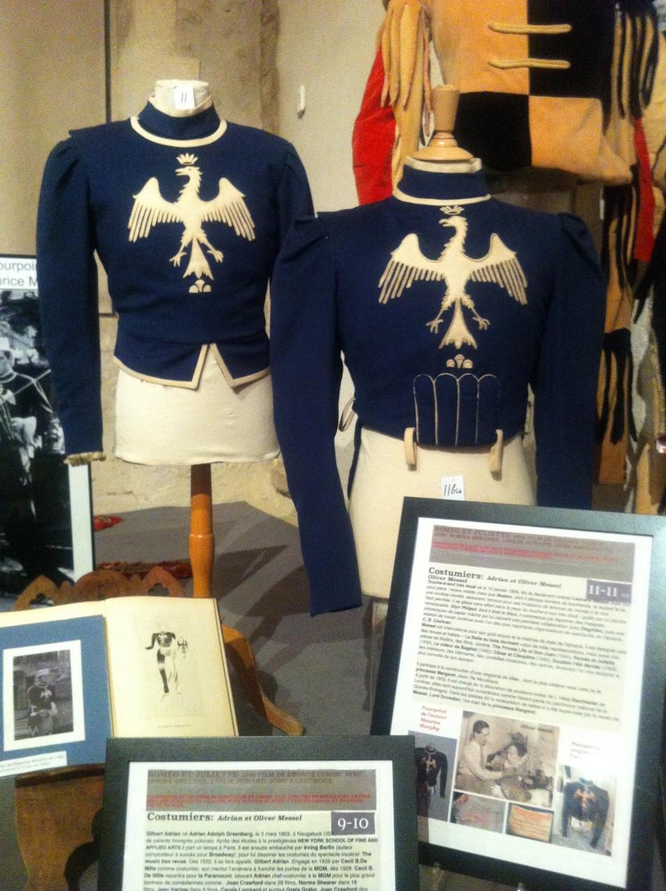 Costumes portés par MAURICE MURPHY (Balthazar) et J.ELY, les pages de ROMEO.