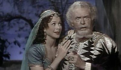 """WILLIAM FARNUM au côté de HEDY LAMARR """"DELILAH"""". Il y joue le rôle de son père."""