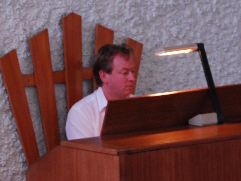 Michael Bell (organist)