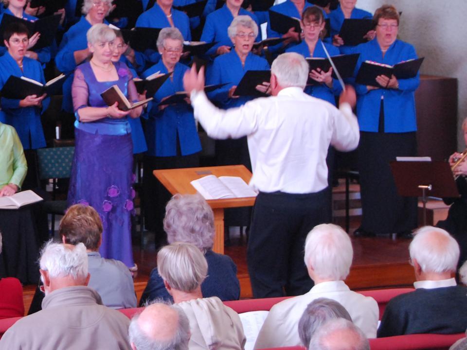 Catherine MacDonald (soprano) & Tony Hogg (conductor)