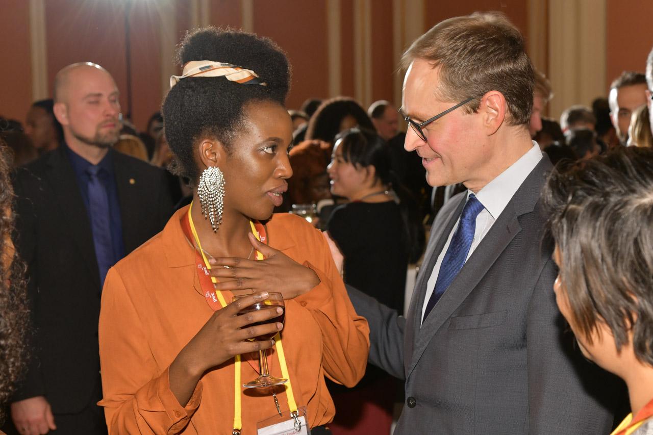 Berlin Major Michael Müller in conversation with YGC Judicaelle Irakoze (Burundi)