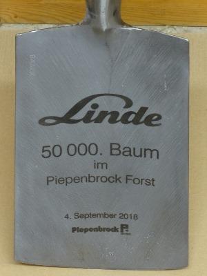 Gravierter Spaten zu 50000. Baum-Pflanzung