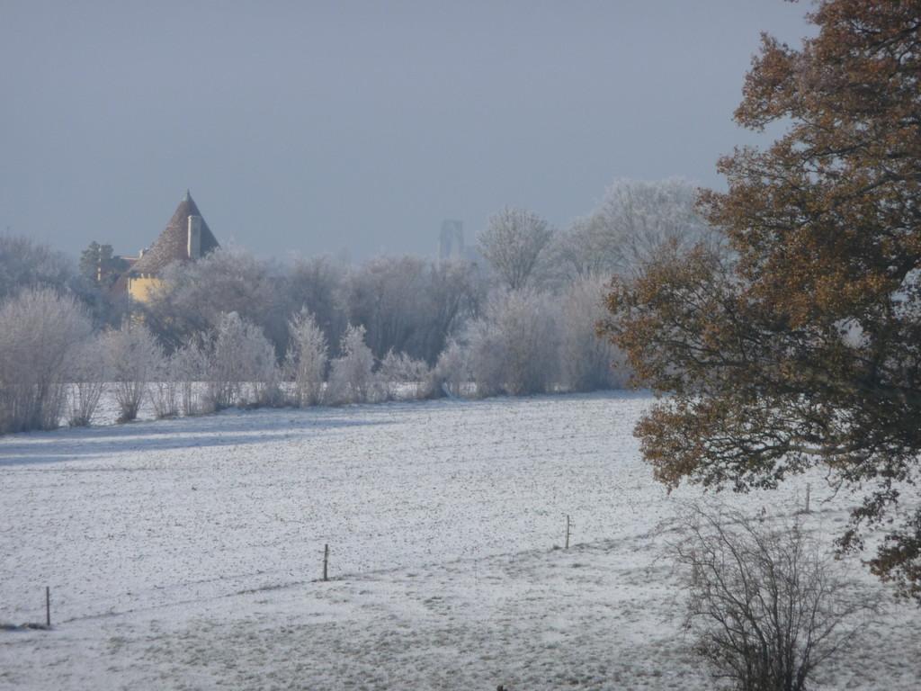 Ecomusée et manoir du Royau vus du Boistier