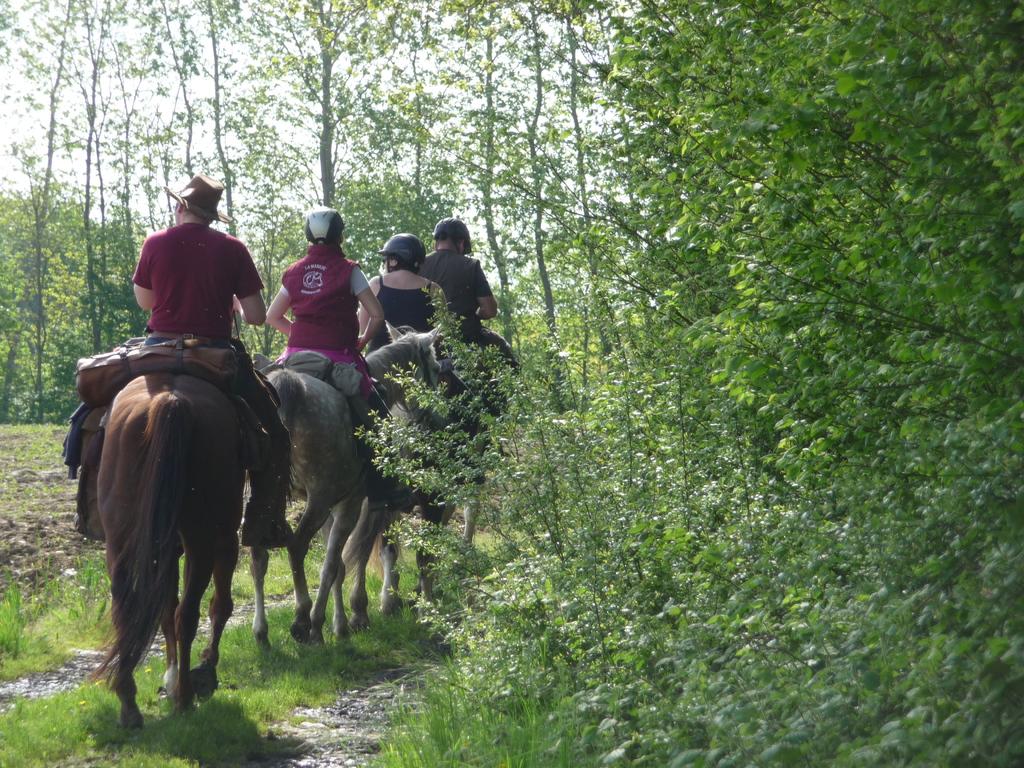 Cavaliers au départ du Boistier
