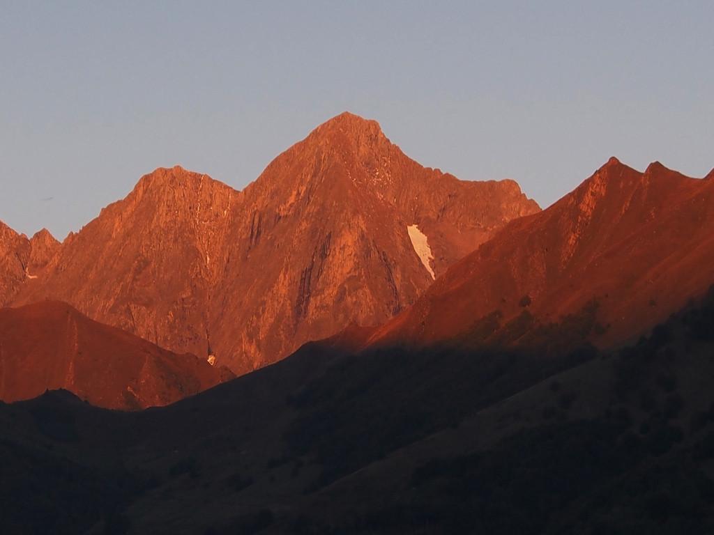 Le Mont Valier au soleil levant