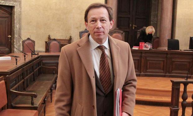 Dr. Rudolf Mayer Gericht