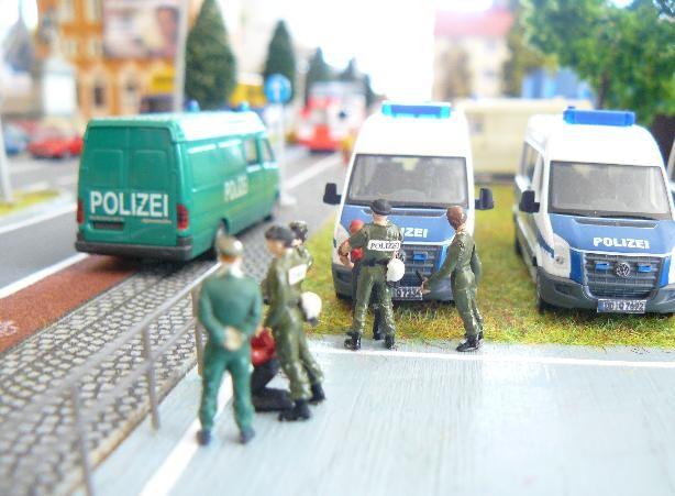 Festnahme von zwei Verdächtigen durch die Kräfte der BFE