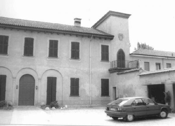 Prevostina, cortile interno Largo Galluzzi - Via Roma (1980)